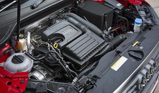 s_062_037_Audi_Q2_1.4_engine_01