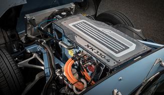 EVとして生まれ変わった往年の名車Eタイプ|Jaguar