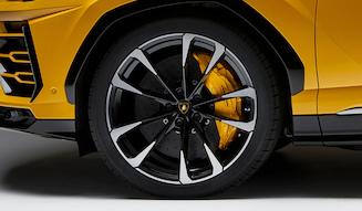 s_040_Lamborghini_Urus
