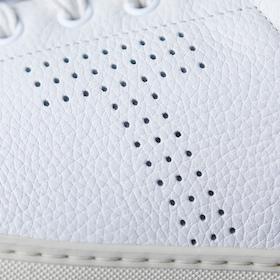 s_002_best7_11_sneakers_cube