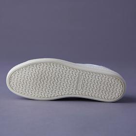 s_003_best7_11_sneakers_cube