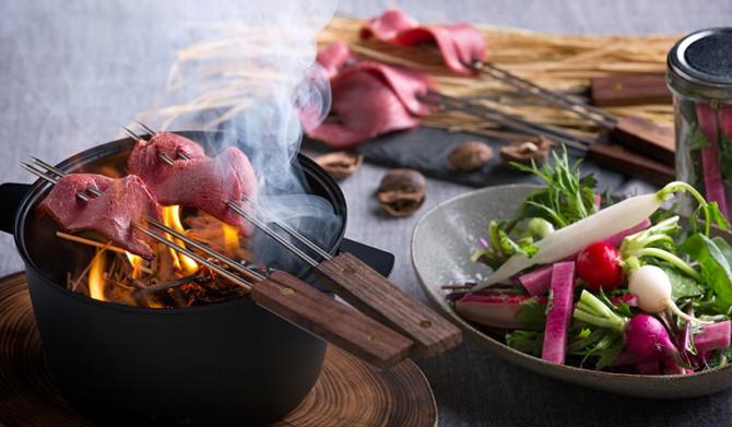 10_【星のや富士】冬の狩猟肉ディナー_猪藁焼き