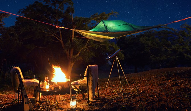 02_【星のや富士】星降る森の空中テント_全体像_人なし