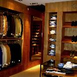 CHAPTER-5 GALLERY「LUIGI BORRELLI六本木ヒルズ店、すべて見せます」