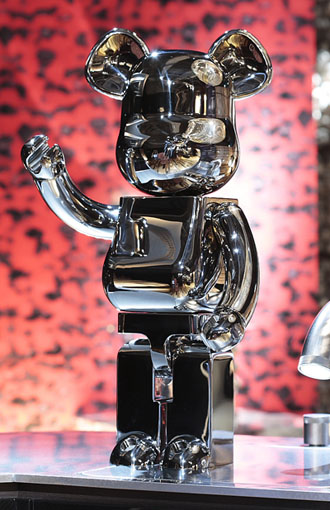 <br /><br /><h1>ACT 7 Welcome STAINLESS BE@RBRICK!</h1><br /><p>