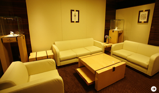 『スフィア パテック フィリップ ブティック TOKYO』の応接室。くつろいだ空間でゆっくりと時計を見ることができる。