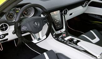ガルウイングをもったスーパーEV|メルセデス・ベンツ SLS AMG E-CELL|03