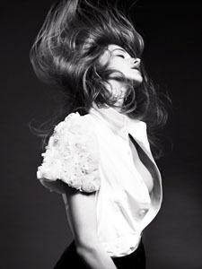 RESTIR|ファッションニュース写真展 02
