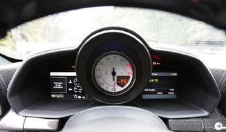 フェラーリ 2台のV8モデルをテストドライブ!|Ferrari|12