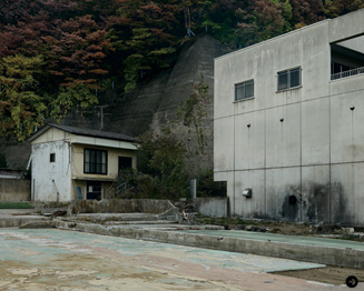 北島敬三の新作写真展『ISOLATED PLACES』 01