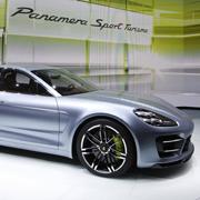 パリ現地リポート|Porsche