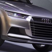 リッター90kmのハイブリッドコンセプト「クロスレーン クーペ」|Audi