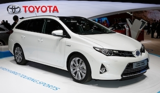 Toyota Auris Hybrid Touring Sports|トヨタ オーリス ハイブリッド ツーリング スポーツ