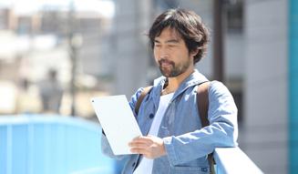 docomo|Xperia(TM) Tablet Z|赤地剛幸 05