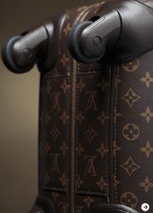 LOUIS VUITTON|ブランド初となる4輪トロリーバッグ「ゼフィール」が登場03