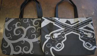 roar × 岩川旗店|大漁旗の生地に贅たくな型染めをほどこしたトートバッグ03