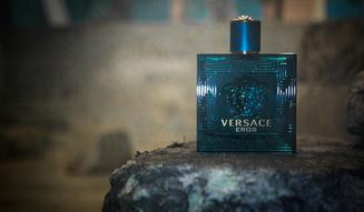 VERSACE|ヴェルサーチから強く官能的な香りのフレグランス「エロス」01