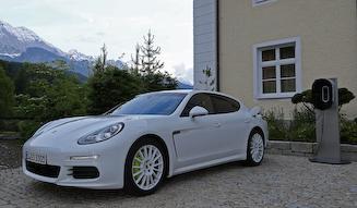 Porsche Panamera S E-Hybrid|ポルシェ パナメーラ S E-ハイブリッド