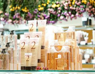 Of cosmetics|新丸ビル店 02
