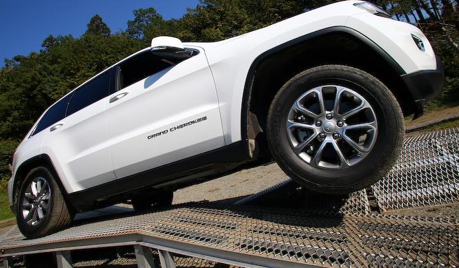 Jeep Grand Cherokee Laredo│ジープ グランドチェロキー ラレード 13