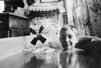『植田正治とジャック・アンリ・ラルティーグ-写真であそぶ-』
