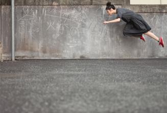 『日本の新進作家VOL.12:路上から世界を変えていく』