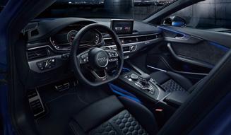 アウディ RS 4アバント