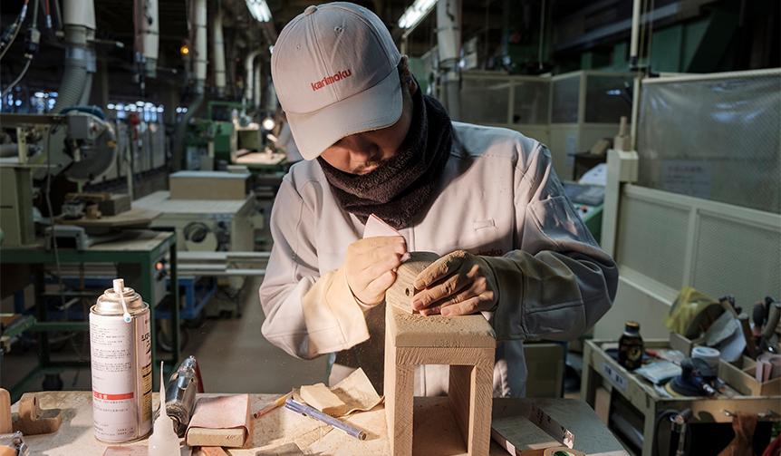 機械作業と人間の手作業を融合。キーワードは「ハイテク&ハイタッチ」|MEDICOM TOY