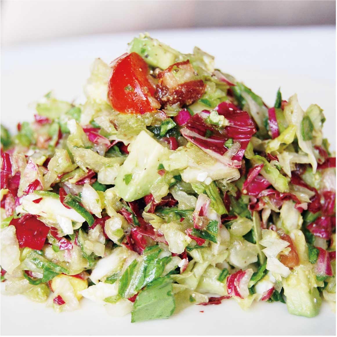 【食】チョップドサラダで「ヘルシーで健康的なファストフード」ランチ(2017年6月号)