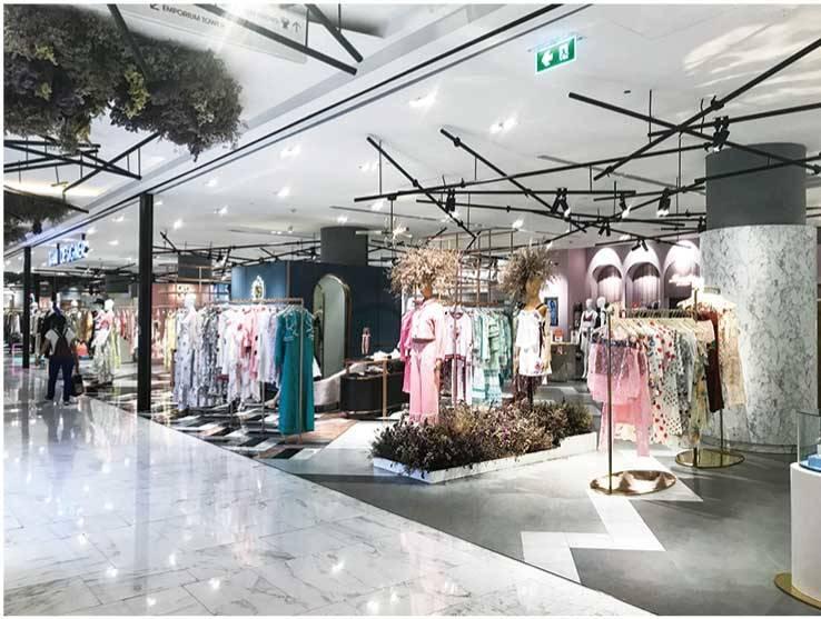 最近ではバンコク都内の高級百貨店にタイデザイナーズコーナーが常設されるようなった