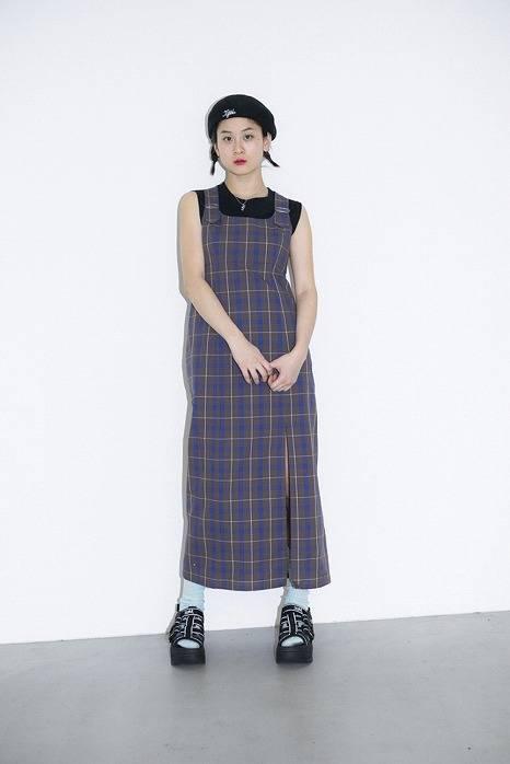復古風的格紋洋裝與涼鞋、襪子的搭配也很可愛♥
