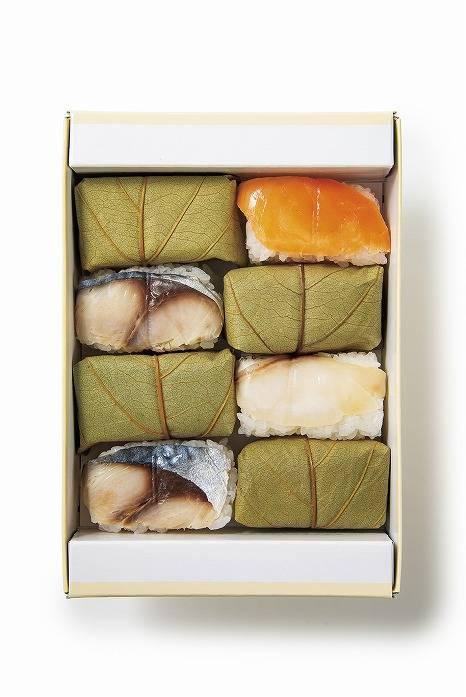 笹八 柿之葉壽司 3種8個入 日幣999元(含稅)