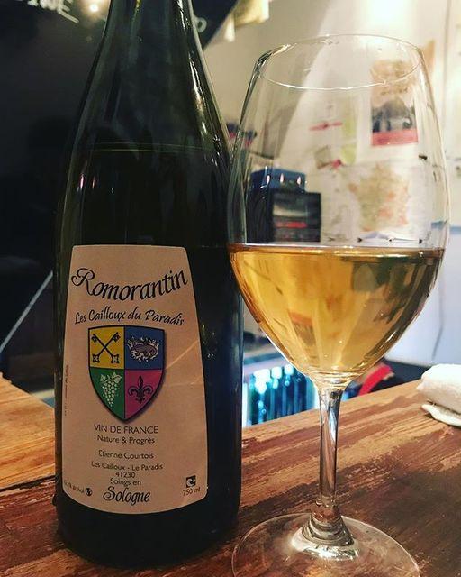 "winy on Instagram: ""Romorantin 2011 / Les Cailloux du Paradis (Claude Courtois) - Loire, France (Romorantin) ロモランタン 2011 / レ・カイユ・デュ・パラディ(クロード・クルトワ)-…"" (8994)"
