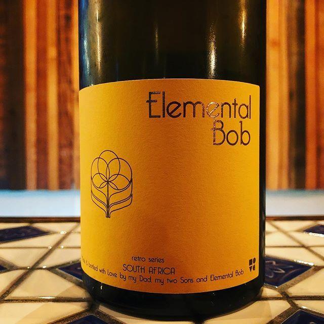 """羽山料理店 on Instagram: """"#グルナッシュブランレトロシリーズ #エレメンタルボブ #グルナッシュブラン種  #南アフリカ産ワイン ……… #羽山料理店 ↑このハッシュタグで検索すると料理もワインもご覧になれます! ・1品からのご利用も可能です。お問い合わせお待ちしております。#osaka #bistro…"""" (8997)"""
