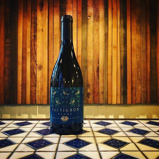 """羽山料理店 on Instagram: """"#ソーヴィ二ヨンブラン #奥出雲ワイナリー #島根県産ワイン #日本ワイン ……… ……… 3月のお休みは毎週水曜日と3/26(月)、3/27(火)となります。 「日曜日のお昼ご予約承ります!」…"""" (9226)"""