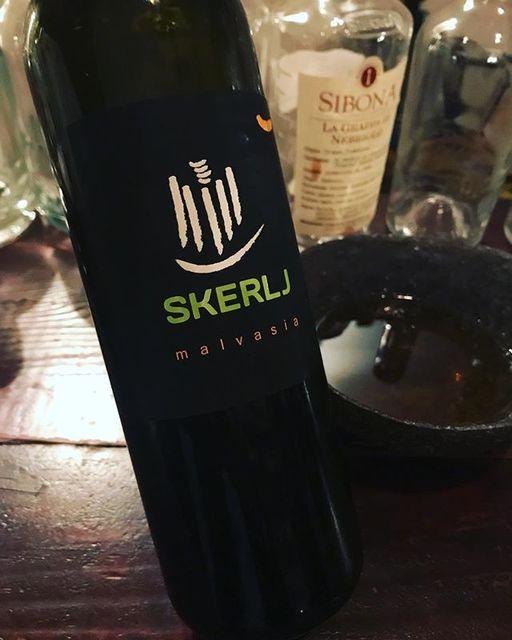 "winy on Instagram: ""Malvasia 2013 / Skerlj (Matej Skerlj) - Friuli-Venezia Giulia, Italy (Malvasia) マルヴァジア 2013 / スケリ(マテイ・スケリ)- イタリア、フリウリ・ヴェネツィア・ジュリア(マルヴァジア)…"" (9240)"