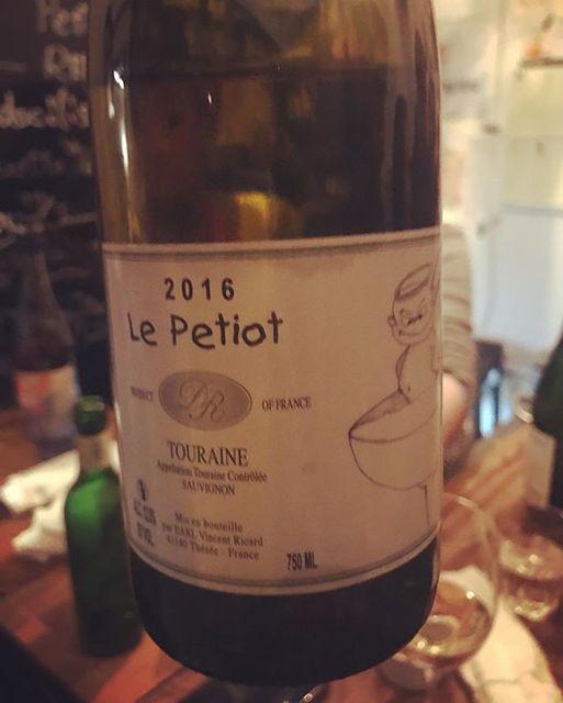"winy on Instagram: ""Le Petiot 2016 / Vincent Ricard - Loire, France (Sauvignon Blanc) ル・プチオ 2016 / ヴァンサン・リカール - フランス、ロワール(ソーヴィニョン・ブラン) #winy #winytokyo…"" (9312)"