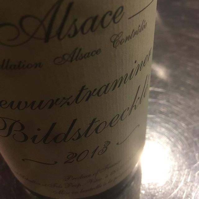 "Hidefumi Ishii on Instagram: ""Gérard Shueller Alsace Gewurztraminer Bildstœcklé 2013  シュレールのビルトGWにしてはやや小柄だが、強すぎない甘み酸味ドライさ、今はとてもとてもちょうどいい。 #schueller #vinnature #alsace…"" (9521)"
