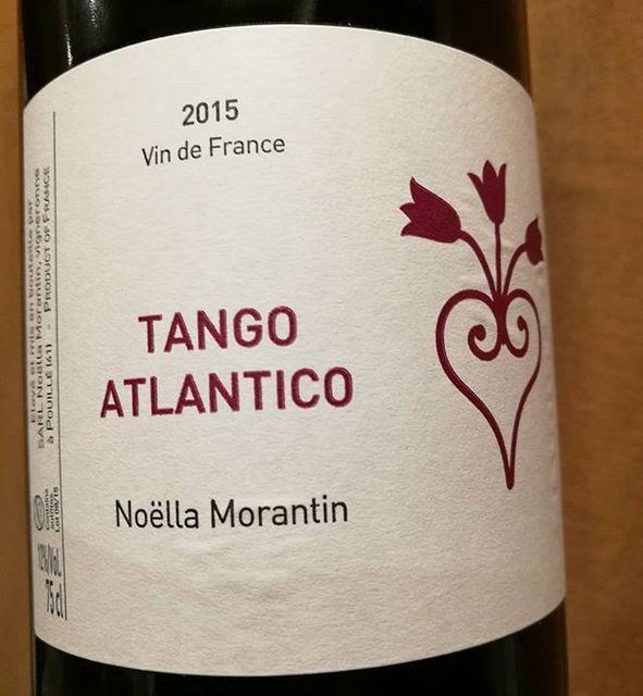 """酒屋 彌三郎 on Instagram: """"フランス・ロワール地方の女性醸造家、ノエラ・モランタン。こんなエレガントなコー(マルベック)があるなんて! カベルネ・フランとブレンドされたこちらのワインは綺麗な酸もあり和食にもよく合います。…"""" (9542)"""