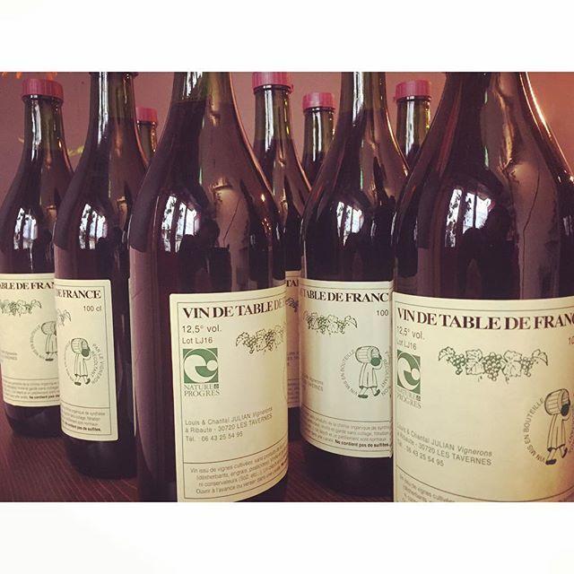 "Chihiro Taguchi on Instagram: ""大衆ワイン沢山あります容量1ℓわっしょい#naturalwine #大衆ワイン酒場 #vinnaturel #vinvivant #ekaki"" (9644)"