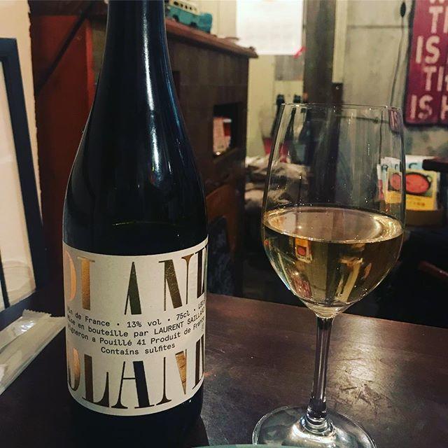 """winy on Instagram: """"Blank 2016 / Laurent Saillard - Loire, France (Sauvignon Blanc)  ブランク 2016 / ローラン・サイヤール - フランス、ロワール(ソーヴィニョン・ブラン) #winy #winytokyo…"""" (9675)"""