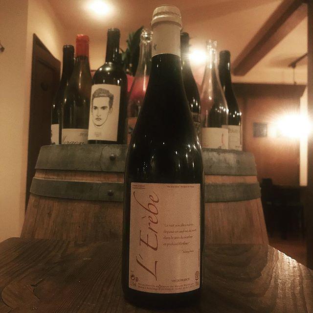 "Yasuyuki Miyagawa on Instagram: ""ミシェル・オジェ時代のメゾン・ブリュレ。これはボトルでゆっくり飲んでもらいたい。ワインにその身をゆだねればいいじゃない。  L'Erève  2010 Maisons Brûlées/Val de Loire Cabernet Franc  Cot  #vinnature…"" (9867)"