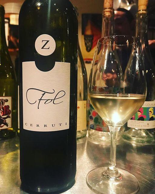 "winy on Instagram: ""Fol 2016 / Ezio Cerruti - Piemonte, Italy (Moscato) フォル 2016 / エツィオ・チェッルーティ - イタリア、ピエモンテ(モスカート) #winy #winytokyo #vinnature #vinnaturel…"" (9972)"