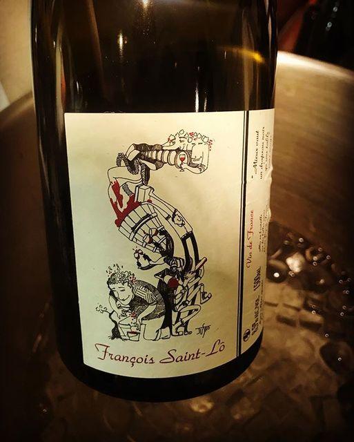 """winy on Instagram: """"Saint Gro Lo 2015 magnum / Francois Saint Lo - Loire, France (Grolleau) サン・グロ・ロ 2015 マグナム / フランソワ・サン・ロ - フランス、ロワール(グロロー) #winy #winytokyo…"""" (10064)"""
