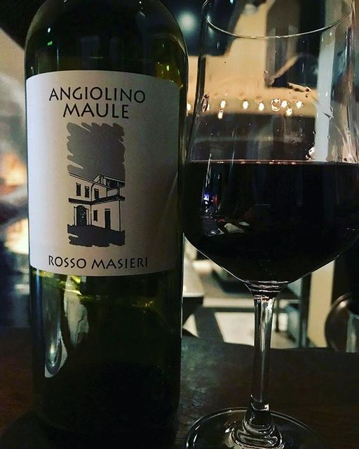 "winy on Instagram: ""Masieri Rosso 2015 / La Biancara (Angiolino Maule) - Veneto, Italy (Merlot 50%, Tocai Rosso 40%, Cabernet Sauvignon 10%) マシエリ・ロッソ 2015 /…"" (10209)"