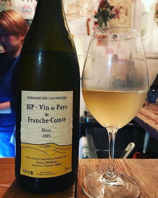 """winy on Instagram: """"Franche-Comte Blanc 2015 / Domaine des Cavarodes (Etienne Thiebaud) - Jura, France (Chardonnay) フランシュ・コンテ・ブラン 2015 /…"""" (10535)"""