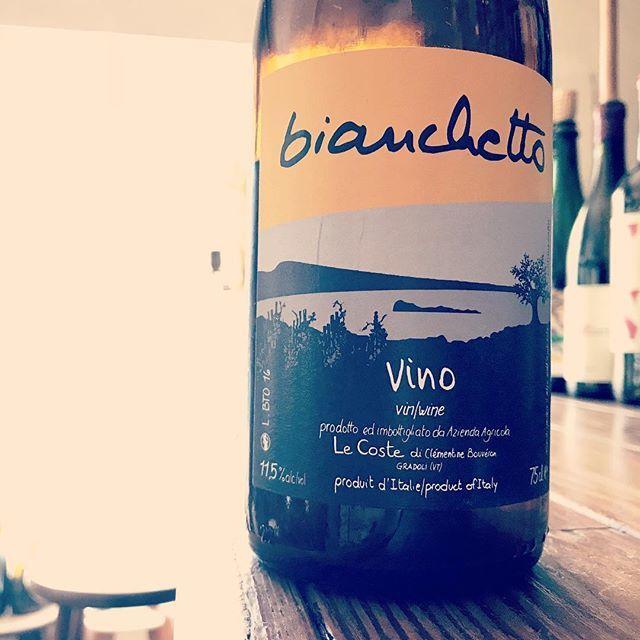 nadja1963さんはInstagramを利用しています:「さて、今夜もオープンしました。#bianchetto #lecoste#amagasaki #塚口ワイン#ナジャ #土曜日は満月 #月曜休31火曜振替オープン❗️」 (11217)