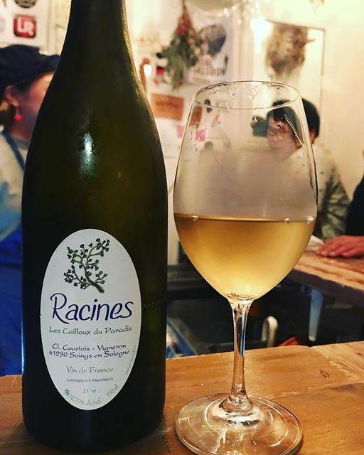 winyさんはInstagramを利用しています:「Racines Blanc 2012 / Les Cailloux du Paradis (Claude Courtois) - Loire, France (Sauvignon Blanc, Chardonnay, Romorantin, Menu Pineau)…」 (11347)