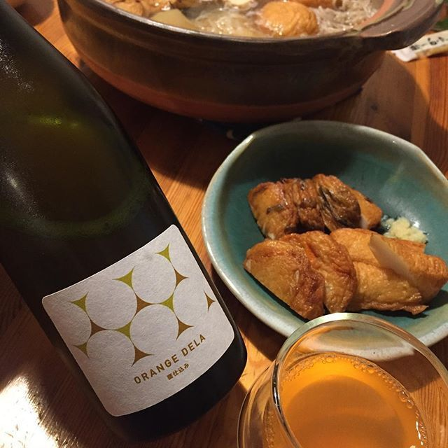 "Takuro Koga on Instagram: ""一昨日の晩御飯より。 2日目のおでんと、いただきものの薩摩揚げ! 練り物天国やー!合わせたワインは、 大阪の島之内フジマル醸造所の新作、 オレンジデラ甕仕込み2017! デラの華やかな香りがまずスーッと飛び込んできて、 スキンコンタクトの旨味がジュワッと溢れます!!…"" (12087)"