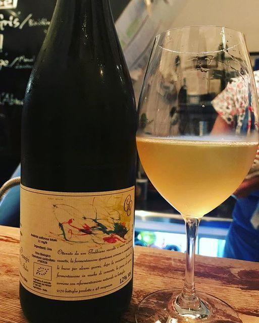 winyさんはInstagramを利用しています:「Terbianc dell'Emilia 2017 / Cinque Campi (Vanni Nizzoli) - Emilia Romagna, Italy (Trebbiano) テルビアンク・デッレミリア 2017 / チンクエ・カンピ(ヴァンニ・ニッツォリ)-…」 (12116)